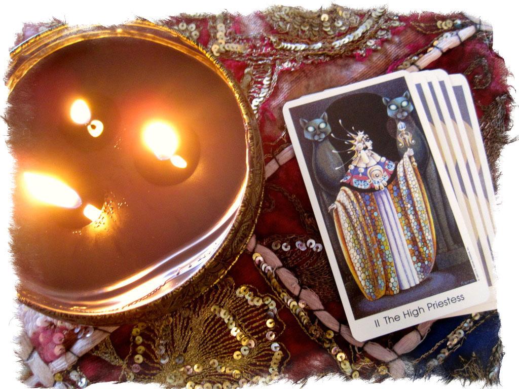Верховная жрица Таро (папесса) - значение и толкование