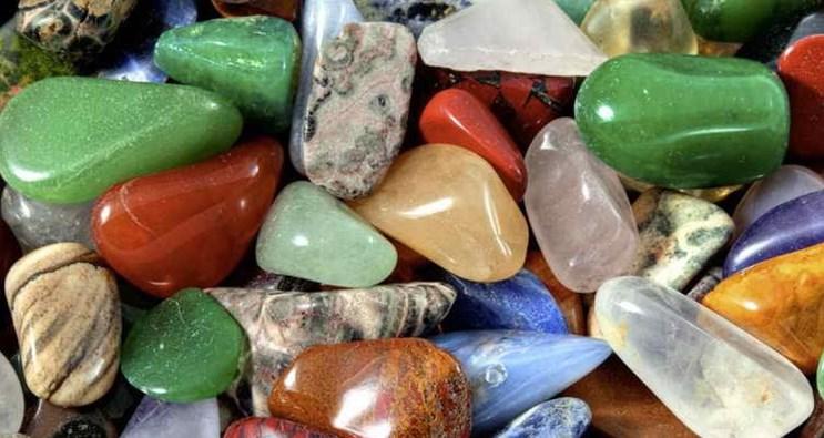 амулеты камни